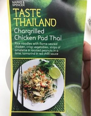 Chicken pad thaï