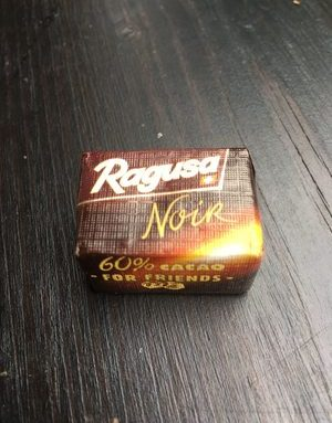Confiserie au chocolat noir