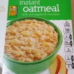 Instant oatmeal with real apples and cinnamon