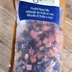 Mélange de fruits séchés sucrés et d'amandes