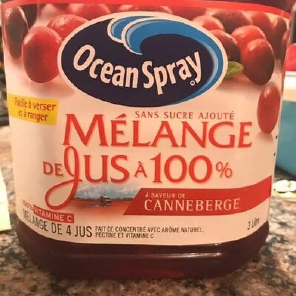 Mélange de  jus à 100% à saveur de canneberge
