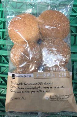 Petits pains croustillants foncés précuits