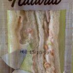 Sandwich de atun y ensalada