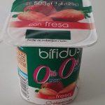 Yogur bífudus con fresa